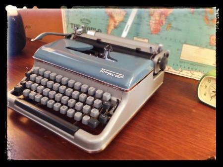 Portable Typewriter (Torpedo 18)