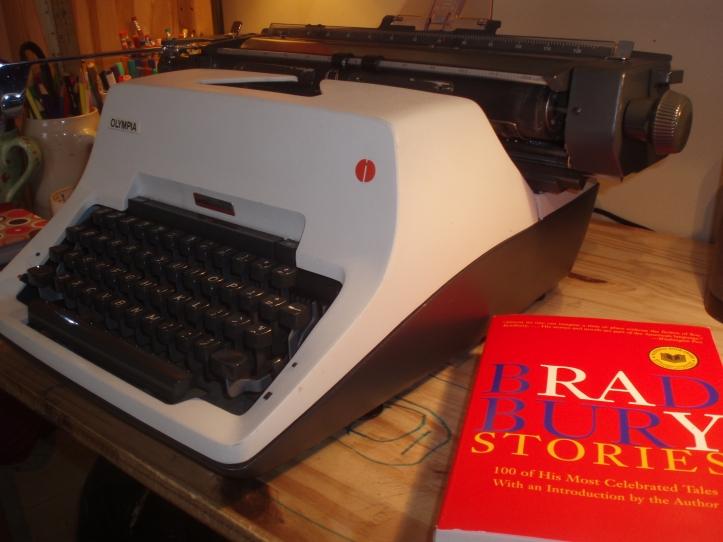 Standard Typewriter (Olympia SG3)
