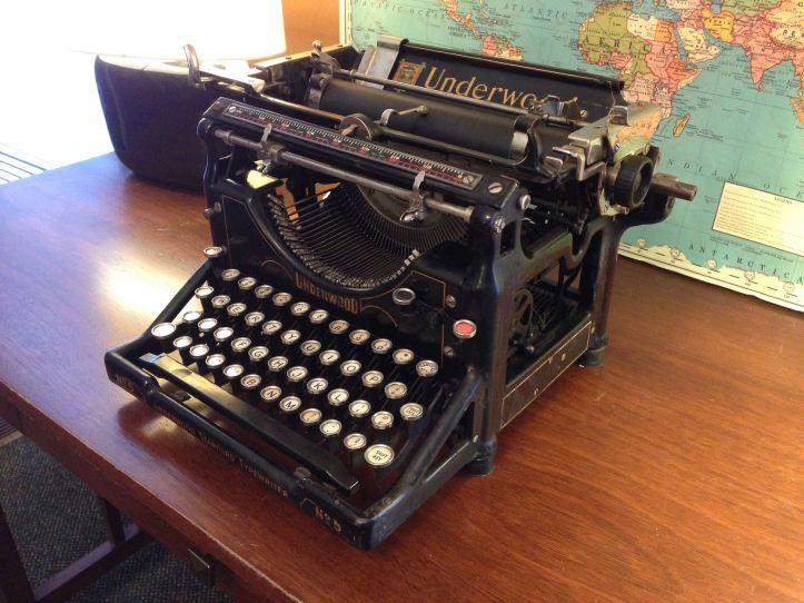 Standard Typewriter (Underwood)