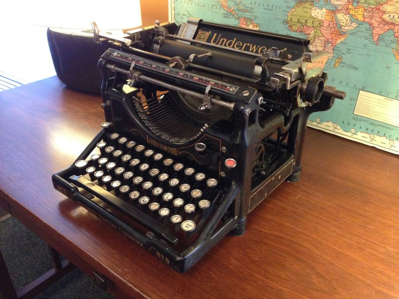 Standard Typewriter (Underwood)