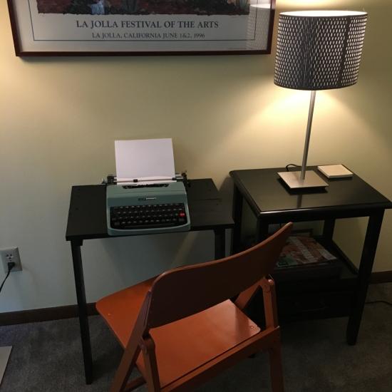 Atlas Typewriter Desk – Typewriter Review